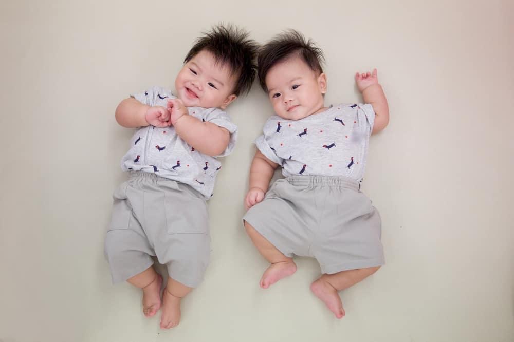 Nama Anak Kembar Laki-Laki Islami