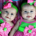 6 Inspirasi Nama Bayi Perempuan Kembar Unik dan Penuh Dengan Arti Baik