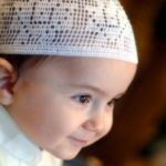 Istimewa dan Elegan! Inilah 5 Nama Bayi Islami dan Tulisan Arabnya